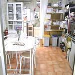 画像: キッチン                             - 大きな柱が自慢です 女性専用可愛い物件 駅至近 渋谷区内