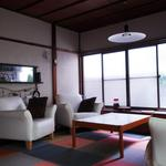 Photo: リビング                             - House of the old house style, is 11 tatami large room.