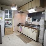 画像: キッチン                             - なんば2駅、ノスタルジックな雰囲気の下町にあるシェアハウス