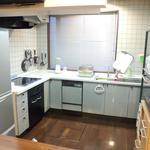 画像: キッチン                             - 【家賃にすべて込】=水道光熱費・インターネット代・共益費等。その他の費用一切なし