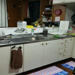 画像: キッチン                             - ☆宜野湾の戸建シェア☆ペット可能☆漫画好きの方ぜひ♪3-3