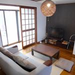 画像: リビング                             - 酒蔵の情緒あふれる街の京都らしい町家 それぞれ個室でシェアしませんか?