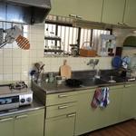 画像: キッチン                             - 鎌倉市、材木座の一軒家の和室。家賃55000円。駅から徒歩15分