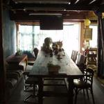 画像: リビング                             - 山の手・谷根千の古民家ゲストハウス アトリエ18畳・土間リビング20畳 禁煙者専用