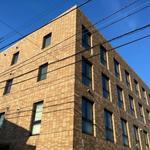 画像: 建物外観                             - 国際交流デザイナーズシェアハウス(英会話レッスン付)
