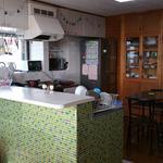 画像: キッチン                             - 宜野湾の戸建てをシェア!ペット可♪ 漫画好き・動物好きな方向け☆彡
