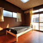 画像: 個室                             - ゆったりとした東南角部屋です・駅まで徒歩4分