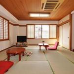 画像: リビング                             - 錦糸町歩4分・フリーレントあり・和室9畳ゆったりとした空間(2人可)