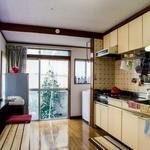 画像: キッチン                             - 渋谷まで13分、都心から好アクセス♪西永福の一軒家シェアハウス