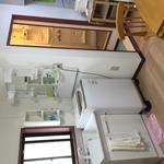 画像: 個室                             - 3.5畳個室鍵、窓、エアコン付き、京急蒲田駅から5分の一軒家です。