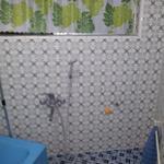 画像: シャワー                             - リフオーム済みの綺麗なお部屋です^^