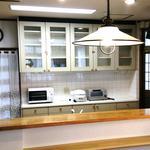 画像: キッチン                             - 女性専用シェアハウス、8畳個室!地下倉庫や納戸もあって荷物がたくさん置けて安心安全!