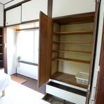 画像: 個室                             - 横浜9分の和田町★木目の14畳リビングが気持ちいい^^日当たり、風通し、収納抜群の個室が35800円!!女性限定シェアハウス♪