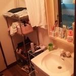 画像: 洗面所                             - ルームシェア募集しております