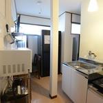 画像: キッチン                             - 24000円〜!女性限定ジブリのような雰囲気のハウス♪町田から1駅・落ち着いた街でゆっくり過ごしませんか?