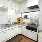 Photo: キッチン                             - 4月入居募集 女性限定シェアハウス 横浜駅まで2駅 ベランダ、ロフト付