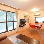 画像: 個室                             - 横浜9分の女性限定!収納大きい!★ゆったりした木目の14畳リビングが気持ちいい!日当たり、風通し良好のお部屋!