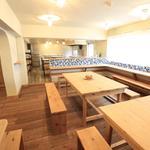 画像: ダイニング                             - 東山公園駅徒歩7分!カフェ風にリノベーションされた40名の大型シェアハウス