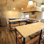 画像: キッチン                             - 東山公園駅徒歩7分!カフェ風にリノベーションされた40名の大型シェアハウス