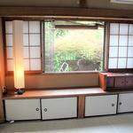 画像: 個室                             - 女子3人の一軒家! 10畳個室!専用TV,お米や洗剤付.布団家具付,光回線.安心の女性オーナー