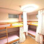 画像: ドミトリー寝室                             - ★新宿まで15分★ 駅から2分の新築リフォームで女性も安心!新規オープンのため賃料格安キャンペーン中♪