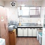 画像: キッチン                             - 代々木原の美しい家