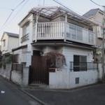 画像: 建物外観                             - 高円寺*新宿から2駅!カフェのような一軒家*鍵付個室