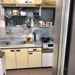 画像: キッチン                             - 川崎駅から徒歩8分!便利な立地!一軒家の個室!初期費用なし!