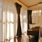 画像: 個室                             - 【今ならお家賃1ヶ月無料!】明朗会計シェアハウス♪ 横浜4分・女性限定(大家も女性)・鍵付個室ハウス・保険・ネット・駐輪場無料♪