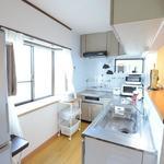 画像: キッチン                             - 横浜から7分★手ごろでおしゃれなシェアハウス
