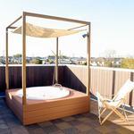 Photo: Others                             - 屋上にジャグジー付お風呂やバーカウンターがあるシェアハウス