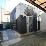 画像: 玄関                             - 大久保駅・新大久保駅徒歩4分!新宿まで徒歩圏内、閑静な住宅街にあるシェアハウスです