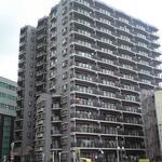 画像: 建物外観                             - 駅前の3LDKのマンションの洋室