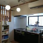 画像: キッチン                             - 難波4分、梅田15分‼️家具、鍵付き個室!保証人不要!