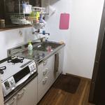 画像: キッチン                             - 【高田馬場駅徒歩6分】新宿5分、池袋5分!綺麗な2LDKの部屋の余っている一室(6帖)をお貸しします。