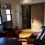 画像: リビング                             - 築地/銀座 4.5畳ぐらいの広さの洋個室