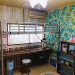 画像: 個室                             - 12畳洋室広々、収納、ベッド、机、パイプハンガー、本棚付き、バス停2分、最寄駅までバス、自転車15分
