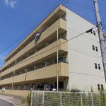 画像: 建物外観                             - 【亀山・駐車場付き・短期貸し】初期費用のご相談可能です。