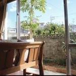 画像: リビング                             - 国際通り近く 一戸建て3LDKの女性専用シェアハウス! 8月入居可