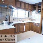 画像: キッチン                             - 【なんばシェアハウス・個室】難波,パークス,心斎橋すぐ♪