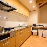 Photo: キッチン                             - 京都伏見の石田にあるできたばかりのシェアハウスです。