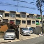 画像: 建物外観                             - 【新規オープン・初月家賃無料】家賃23000円より!保証人なし!