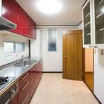 画像: キッチン                             - 完全個室です。人気の街高円寺でルームシェア。高円寺駅から徒歩6分。戸建てですが、コンクリート造なので防音性に優れています。