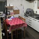 画像: 個室                             - 8畳洋室鍵、家具、ベッド、付き、収納広い、雑色駅徒歩9分一軒家です