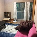 画像: 個室                             - 緑に囲まれた古い一戸建ての余っている部屋を貸します。光熱費込み、駅まで5分、大阪梅田まで40分、ペット可