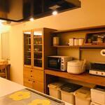 画像: キッチン                             - 新築一軒家の一部屋空いてますよ♪