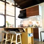 画像: キッチン                             - 【リラックス&クリエイティブ】 23区なのに天然温泉5分、静かでのんびりできる環境です。駅徒歩8分。