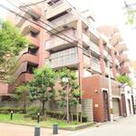 Photo: 建物外観                             - 保証人不要 梅田1LDKマンション 梅田駅近
