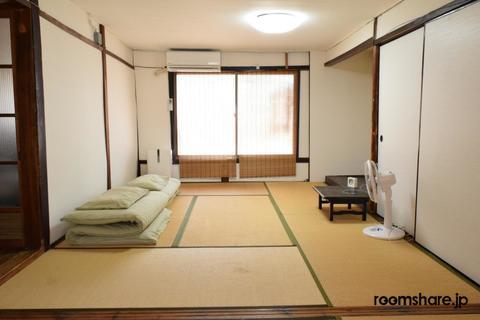 ルームシェア ドミトリー寝室