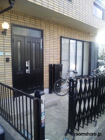 photo of Japan roommate 玄関